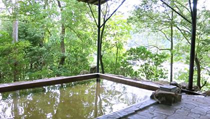 温泉などの宿泊施設